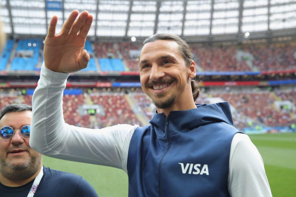 Abschied aus Amerika? Man darf gespannt sein, was Zlatan Ibrahimovic (r.) und sein Berater Mino Raiola, hier bei der WM 2018 in Russland, als nächstes planen...