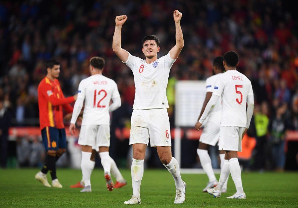 Harry Maguire bejubelt den Erfolg im Nations-League-Spiel mit England in Spanien.