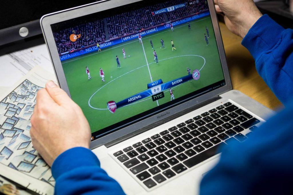 Laptop, Fußball, Stream