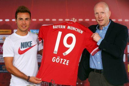 Mario Götze (l., mit Matthias Sammer) wechselte mit großen Hoffnungen zum FC Bayern München.