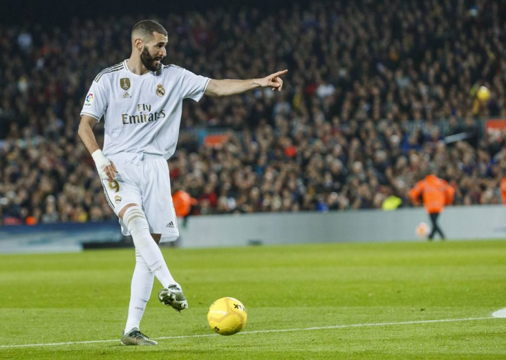 why Barcelona didn't sign Benzema in 2009