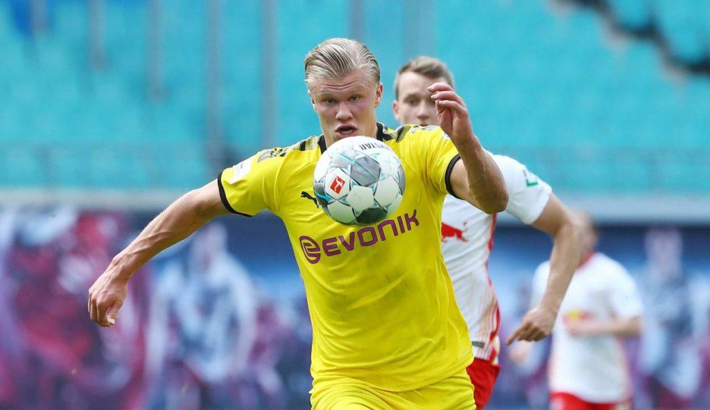 Dortmund star kicked out of nightclub